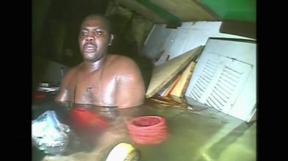 Man spends 62 hours trapped in shipwreck's air bubble
