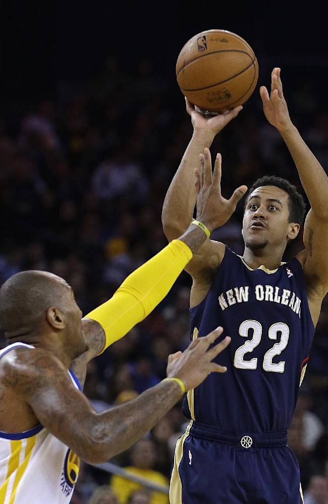 Warriors whip Pelicans 104-93 in Iguodala's return
