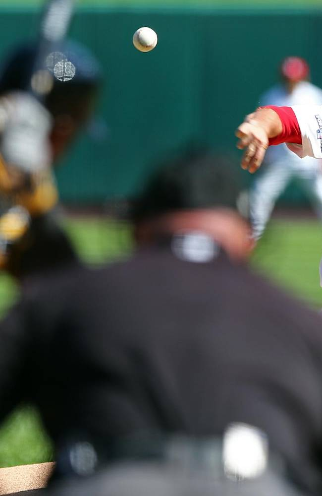 Cole, Pirates reverse roles, top Cards, tie series