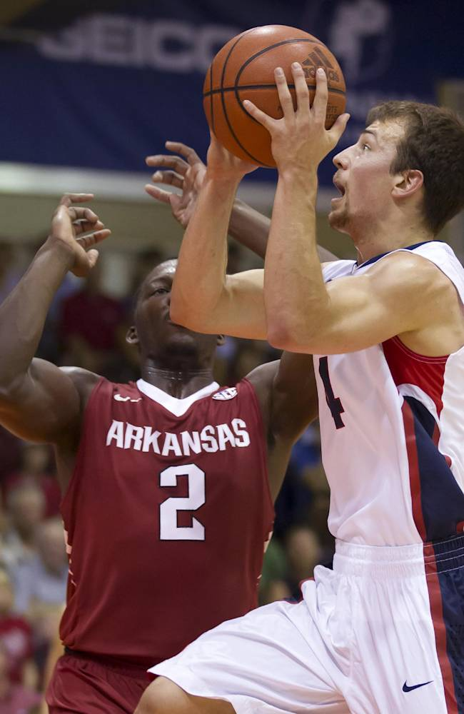 No. 11 Gonzaga beats Arkansas 91-81 in Maui