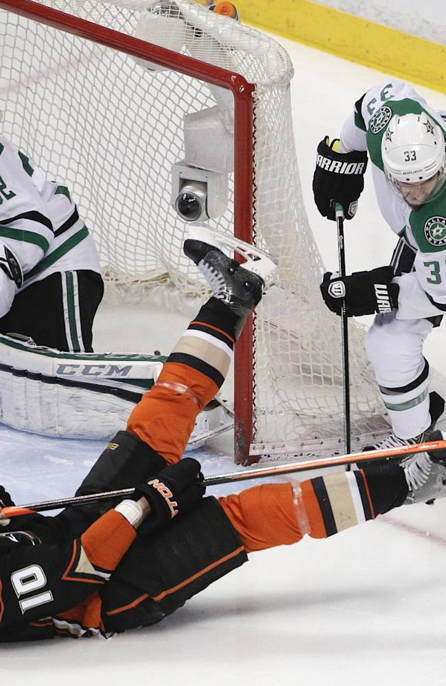 Ryan Getzlaf leads Ducks past Stars 3-2 in Game 2