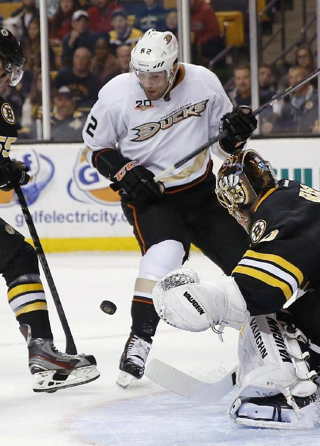 Chara, Iginla rally Bruins past Ducks 3-2 in SO