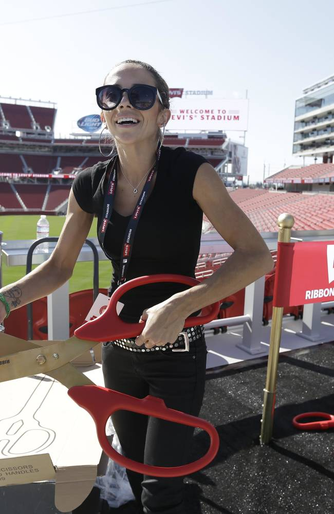 Clarification: 49ers-Stadium Opening story