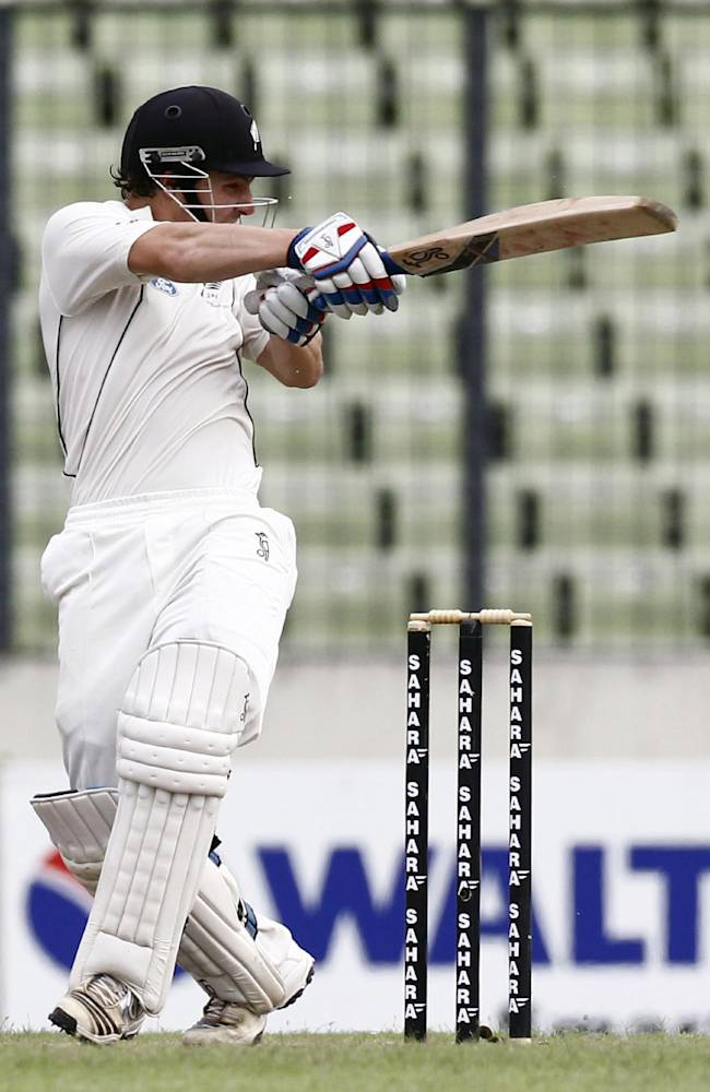 New Zealand's BJ Watling bats against Bangladesh during the third day of their second cricket test match in Dhaka, Bangladesh, Wednesday, Oct. 23, 2013