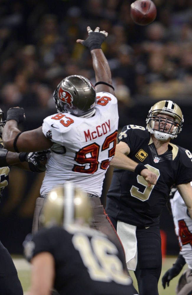 Saints make playoffs with 42-17 win over Bucs