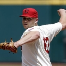 Cleveland Indians starting pitcher Justin Masterson pitches in the first inning of a baseball game against the Seattle Mariners, Sunday, May 19, 2013, in Cleveland. Masterson pitched seven innings and gave up four hits. The Indians won 6-0. (AP Photo/Tony Dejak)