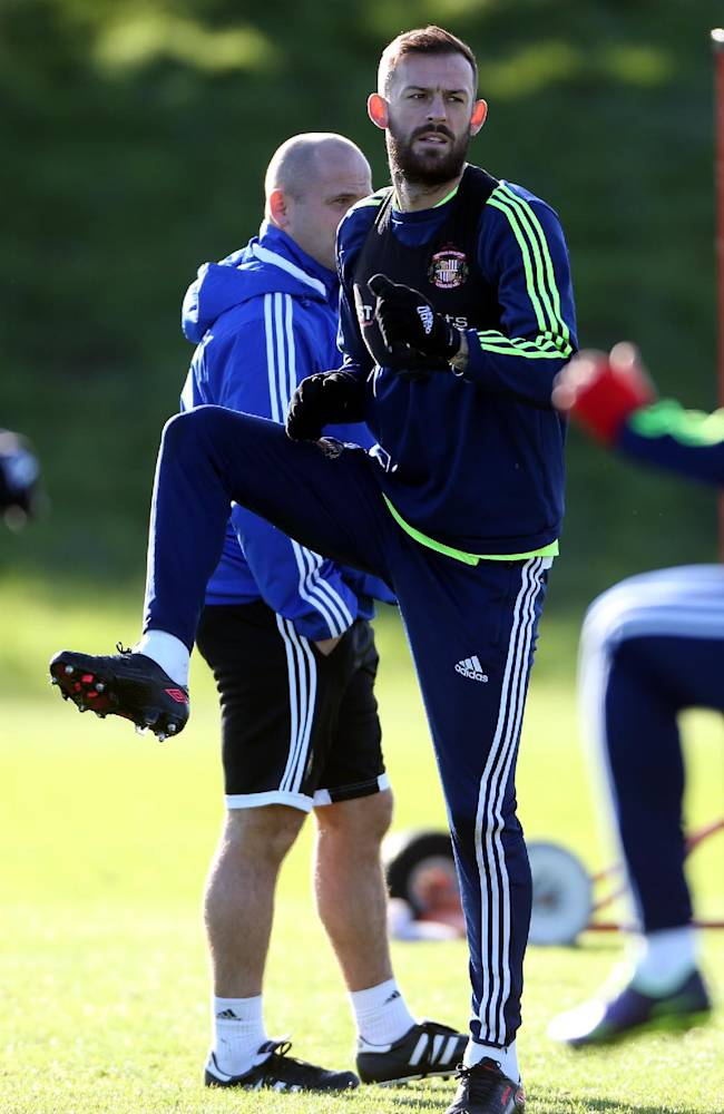 Sunderland's Steven Fletcher takes part in a training session at the club's training ground,  in Sunderland, England, Thursday Oct. 24, 2013. Sunderland will play Newcastle United in a Premier League match on Sunday