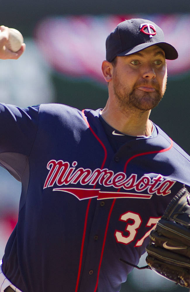 Straily, Fuld lead Athletics over Twins 6-1