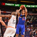 Barnes, Griffin lead Clippers to 5th straight win The Associated Press