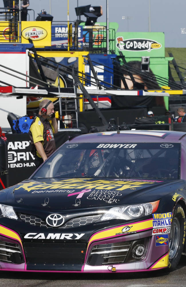 Bowyer finding some peace as he returns to Kansas
