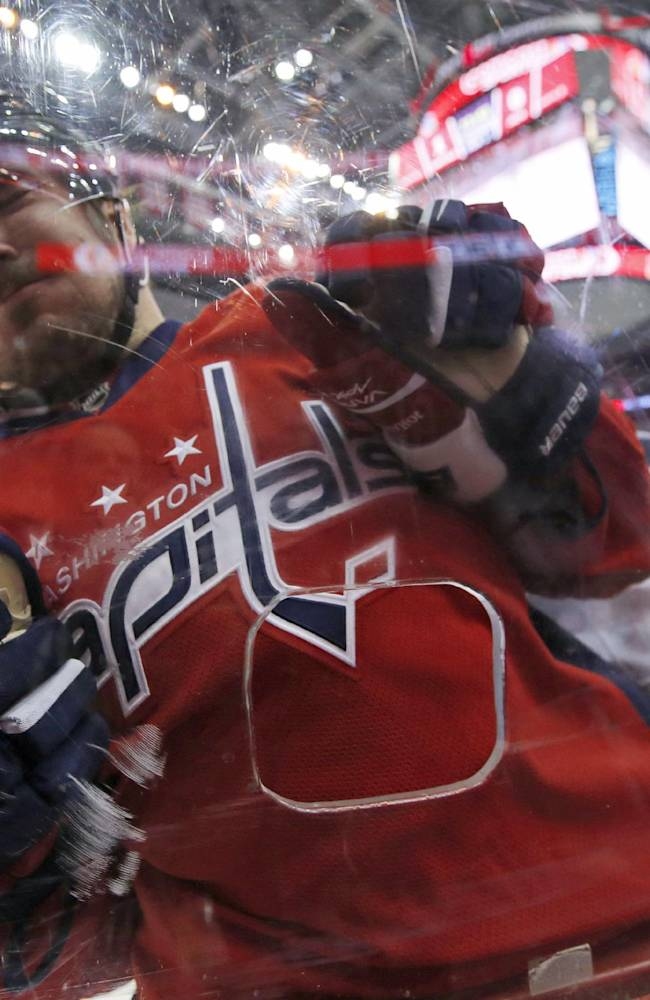 Ovechkin gets 40th to lead Capitals past Jets 4-2
