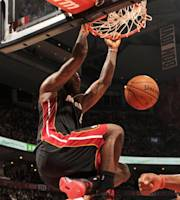 TORONTO, CANADA - November 5: LeBron James #6 of the Miami Heat dunks against the Toronto Raptors on November 5, 2013 at the Air Canada Centre in Toronto, Ontario, Canada. (Photo by Ron Turenne/NBAE via Getty Images)