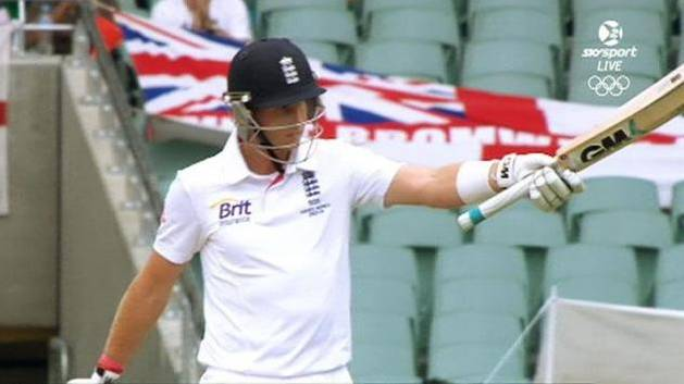 Aussies Have England On Ropes