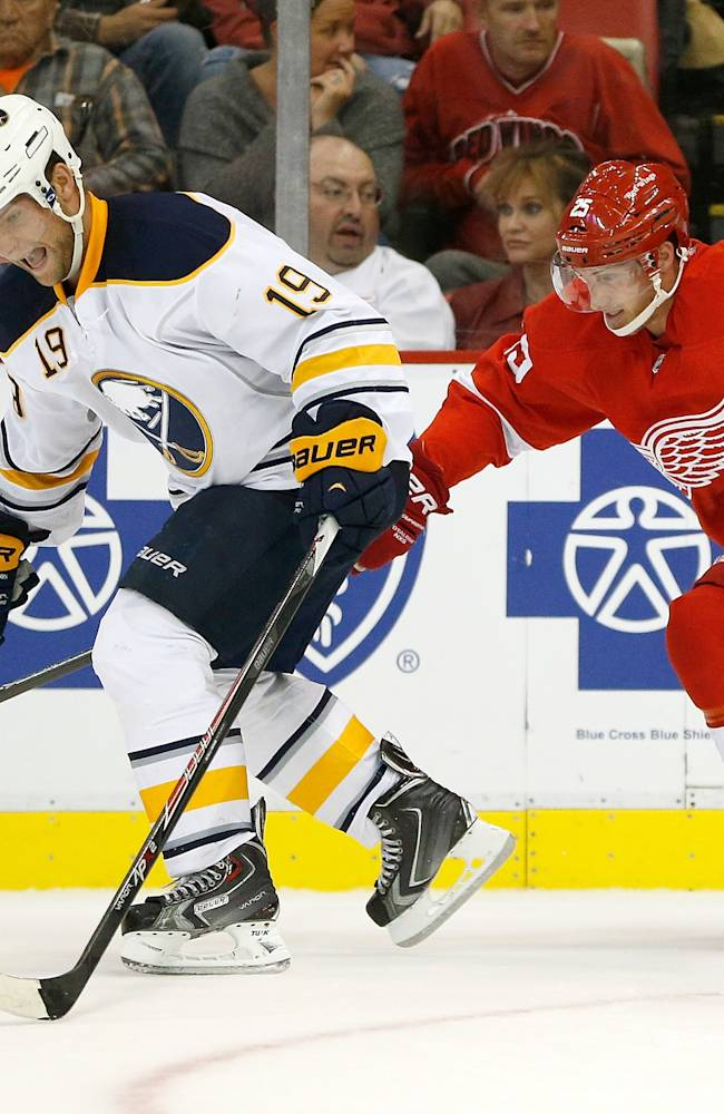 Buffalo Sabres v Detroit Red Wings