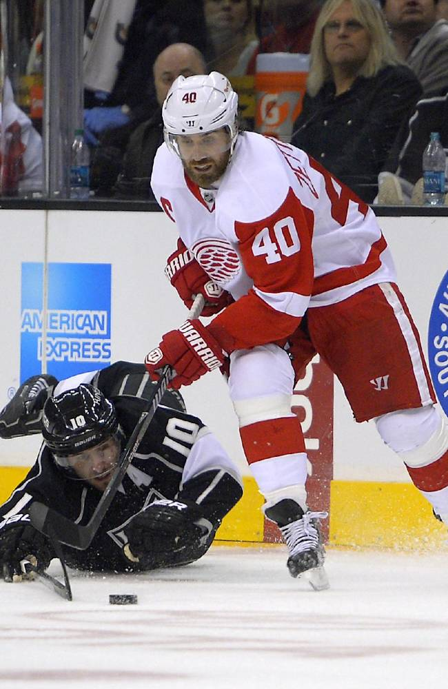 Red Wings' Zetterberg aims for return in playoffs