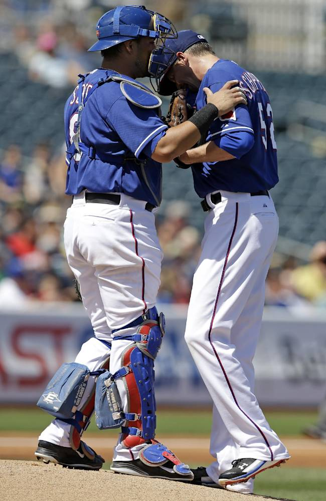 Rangers C Soto out 10-12 weeks with knee tear