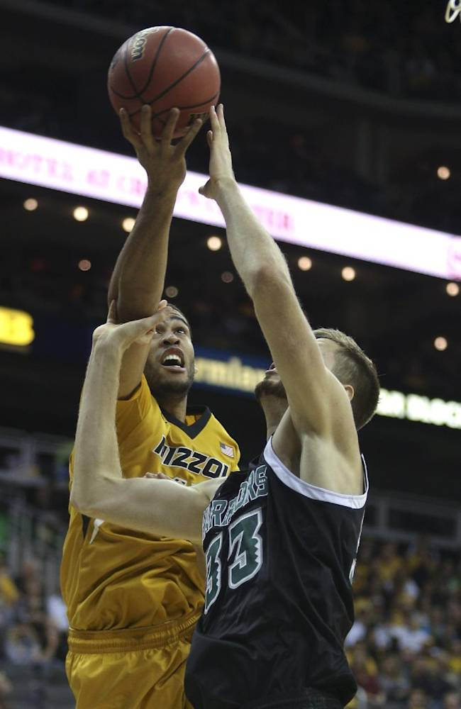 Missouri survives scare from Hawaii for 92-80 win