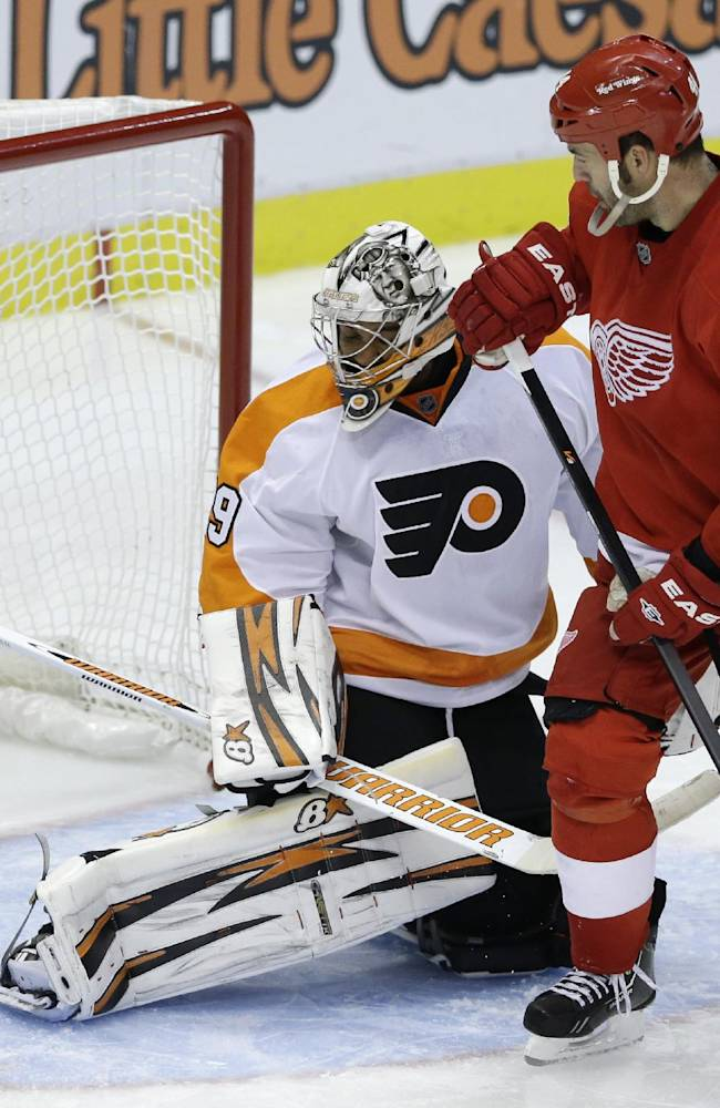 Zetterberg leads Red Wings in 5-2 win over Flyers