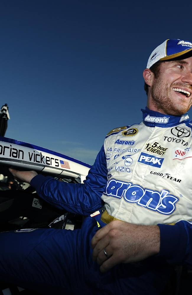 Vickers wins pole in strange Talladega qualifying