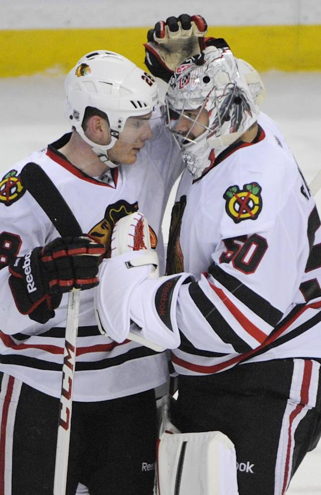 Kane, Toews lift Blackhawks to 2-1 win over Sabres
