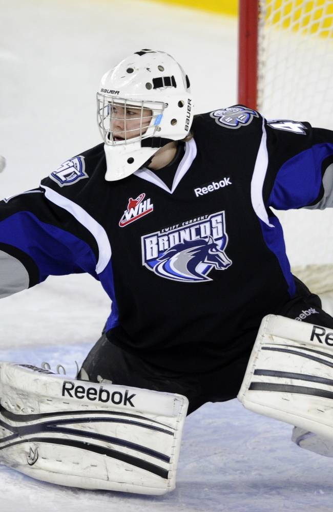 Swift Current Broncos' goalie Eetu Laurikainen
