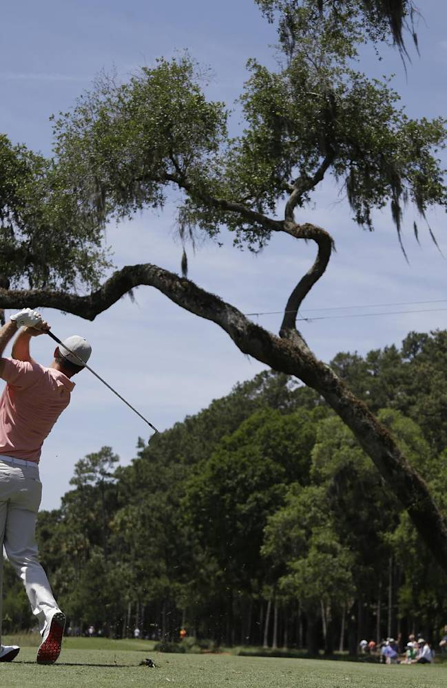 Kaymer ties course record with a 63 at Sawgrass