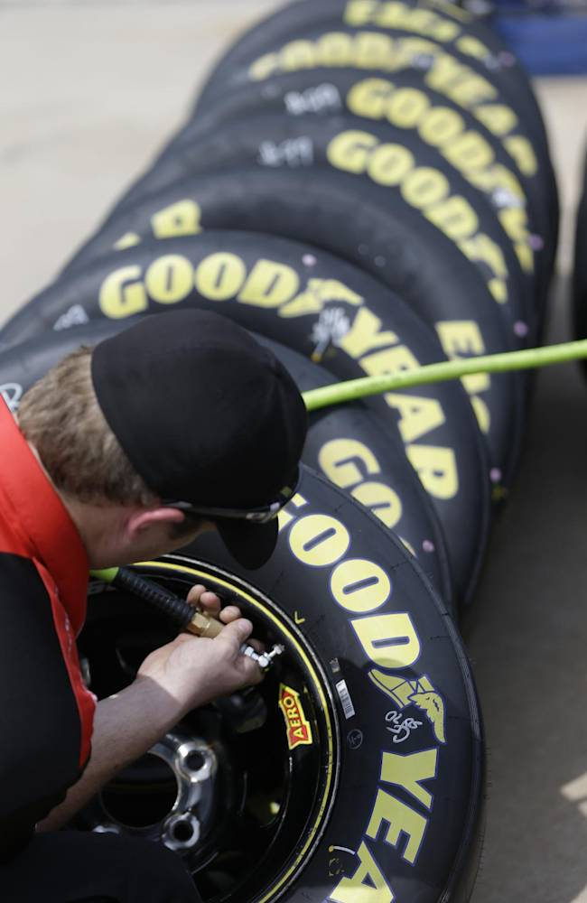 NASCAR puts pressure of preserving tires on teams