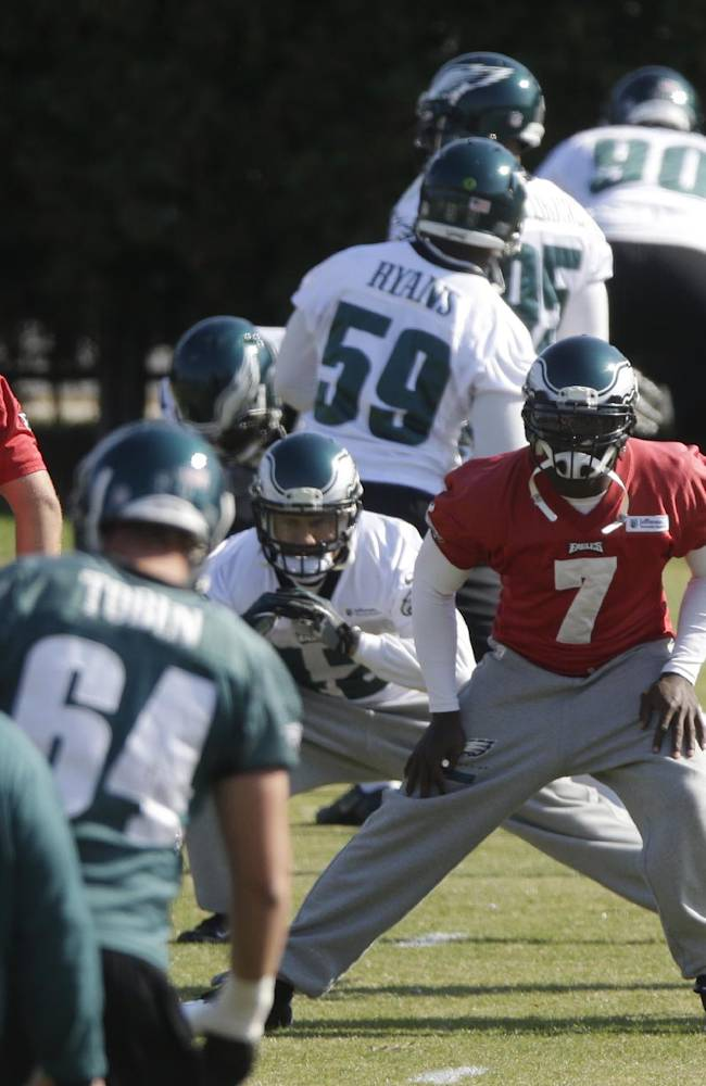 Philadelphia Eagles' Michael Vick (7) runs a drill during practice at the NFL football team's training facility, Tuesday, Oct. 29, 2013, in Philadelphia