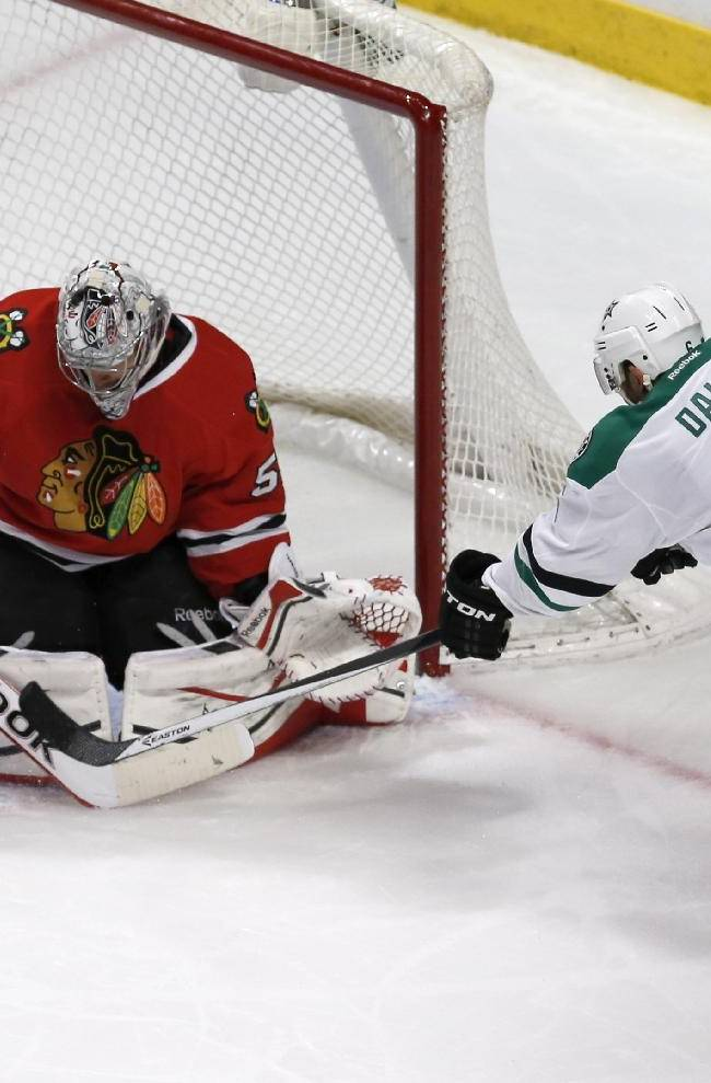 Blackhawks top Stars, move closer to playoff berth