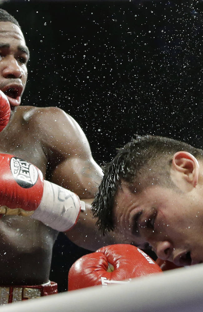 Marcos Maidana unanimously outpoints Adrien Broner