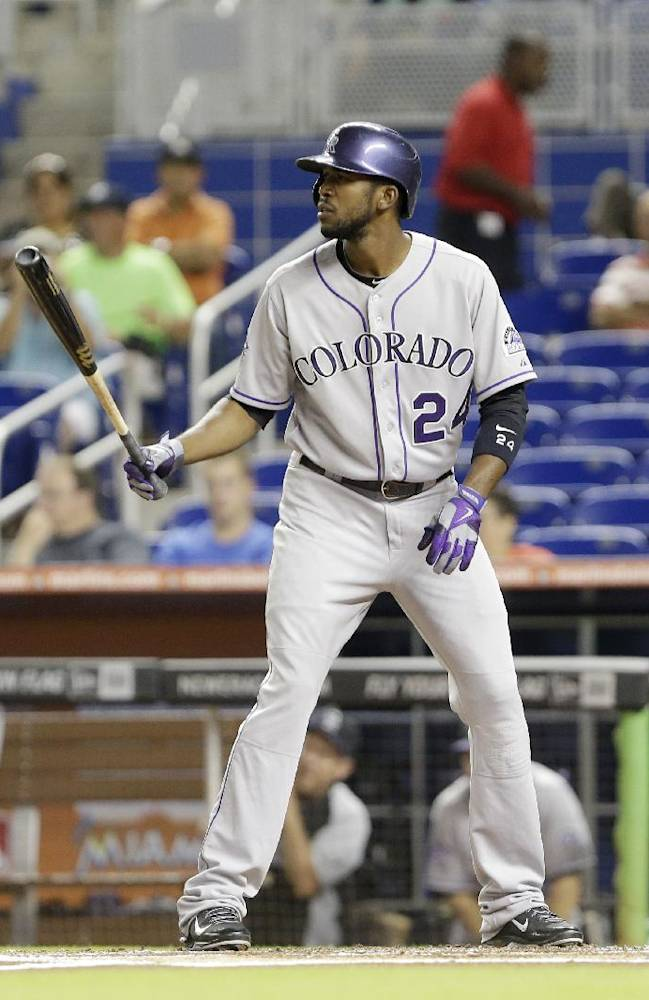 Astros get OF Dexter Fowler in trade with Rockies