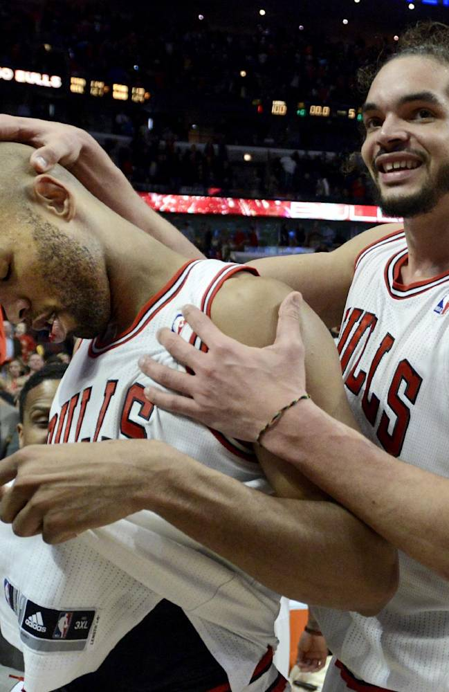 Gibson layup at OT buzzer lifts Bulls over Lakers