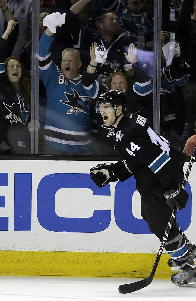 Sharks beat Kings 6-3 in Game 1