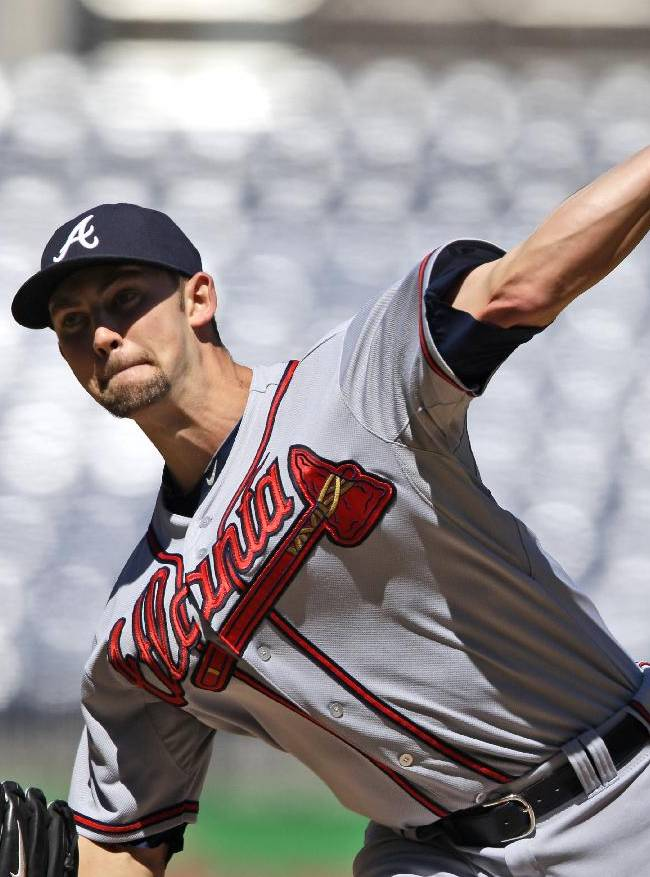 Atlanta Braves starting pitcher Mike Minor (36) throws during the first inning of a baseball game against the Washington Nationals at Nationals Park Tuesday, Sept. 17, 2013, in Washington