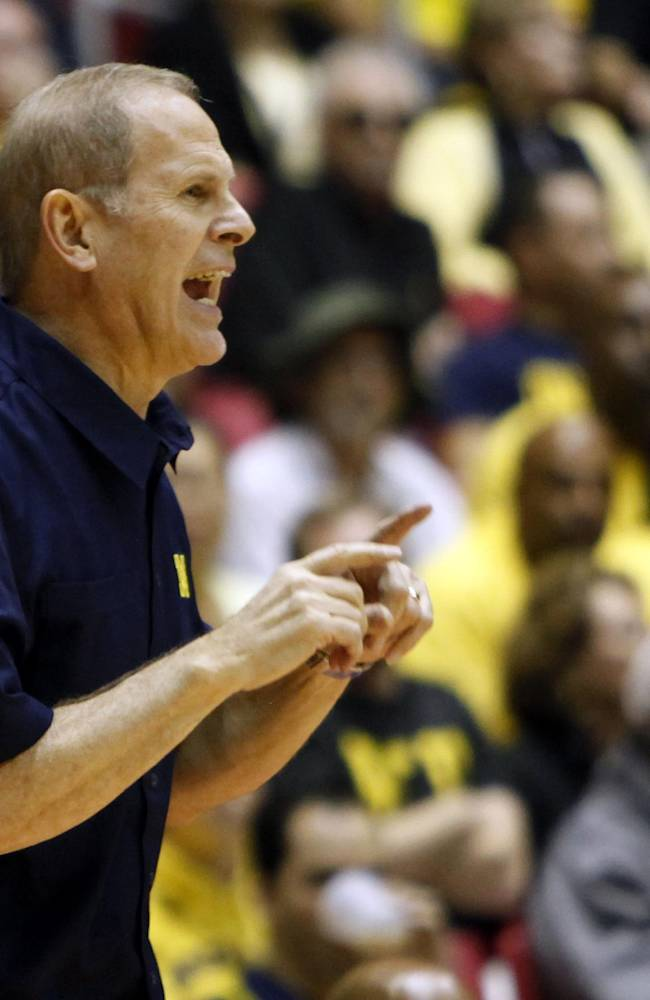 No. 14 Michigan runs past Long Beach State, 85-61
