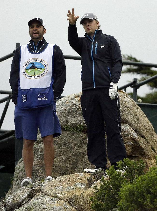 Walker, Spieth in a familiar place at Pebble Beach