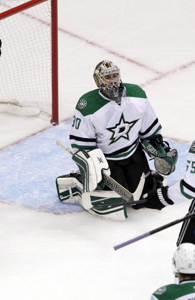 Avs beat Stars 3-2 for 6th straight win