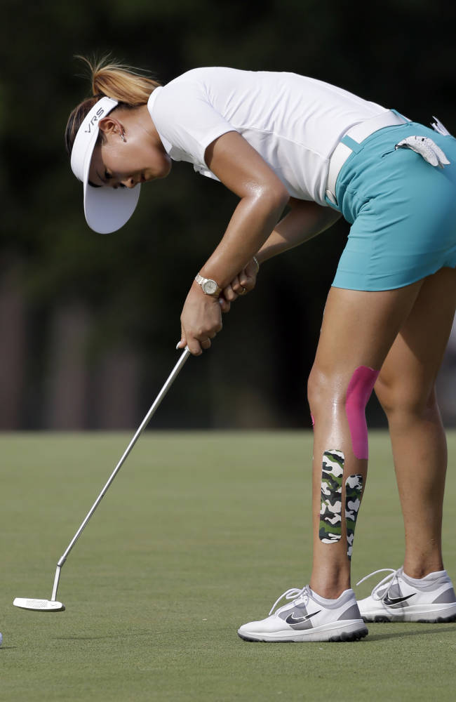 Lewis holds 1-shot lead over Wie in Women's Open