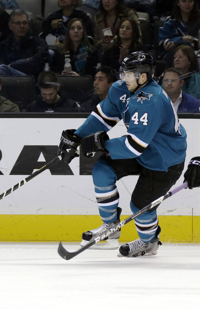 Thornton lifts Sharks over Kings 3-2 in shootout