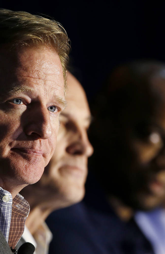 Judge approves $50M settlement in NFL retiree case