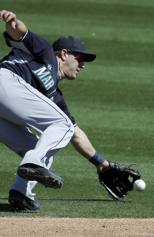 Kazmir recovers, Vogt leads A's past Mariners 6-5