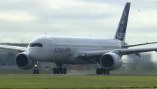 Raw: Airbus A350 Takes Maiden Flight