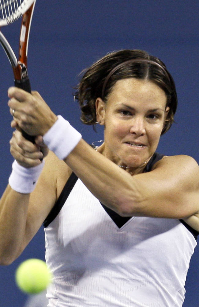 Lindsay Davenport of the United States, returns to Alisa Kleybanova of Russia, at the U.S. Open tennis tournament in New York Wedday, Aug. 27, 2008