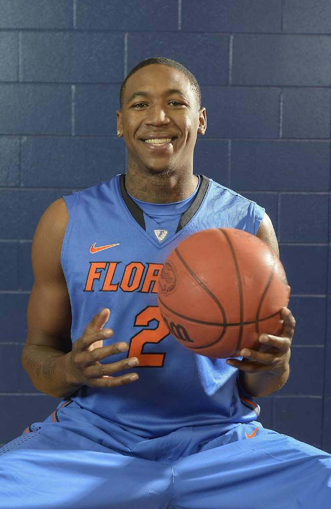 No. 10 Florida suspends Finney-Smith, Harris