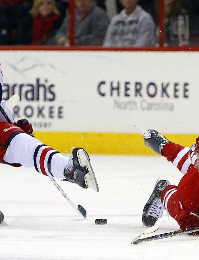 Blue Jackets slip past Hurricanes 4-3