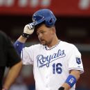 Hats off! Royals get old-timey with tip o' the hat The Associated Press