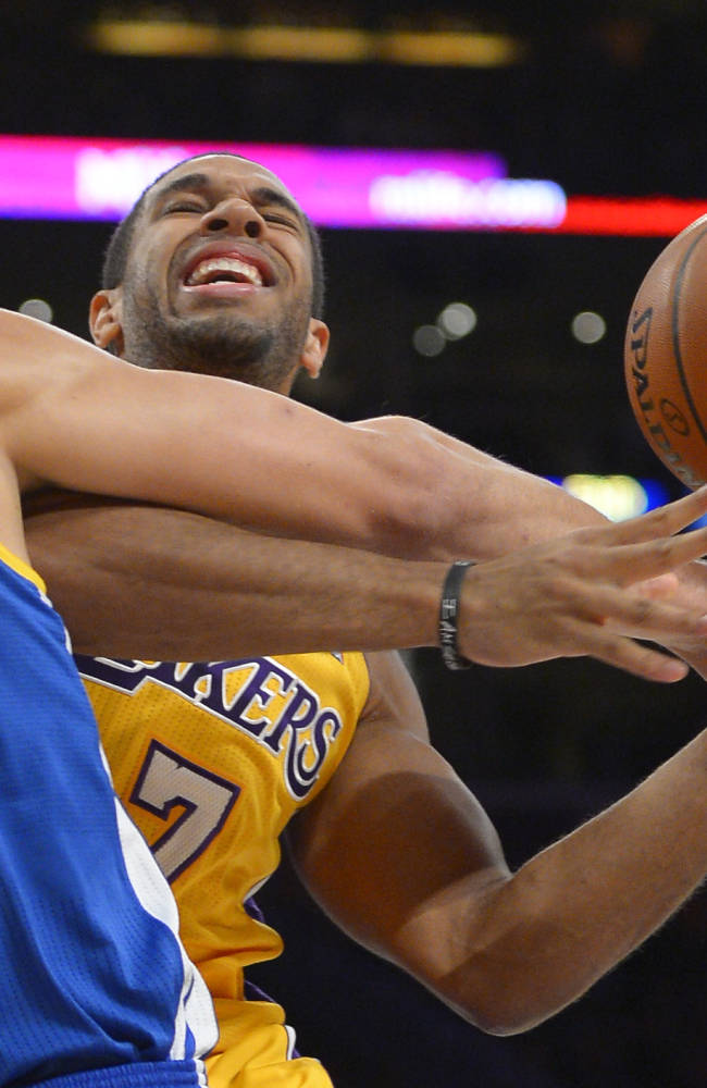 Gasol, Young propel Lakers past Warriors 102-95