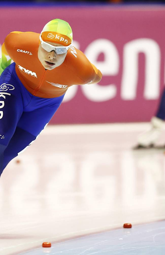 Netherlands Koen Verweij competes in the men's 10.000-meter race during the World Championship allround speedskating at Thialf skating arena in Heerenveen, northern Netherlands, Sunday, March 23, 2014