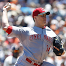 Reds' Bailey has no-hitter thru 6 vs Giants The Associated Press