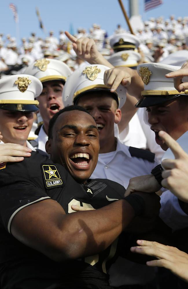 Terry Baggett's 300-yard outing is a 1st at Army